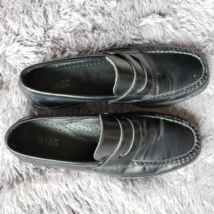 Bass express black loafers size 9.5